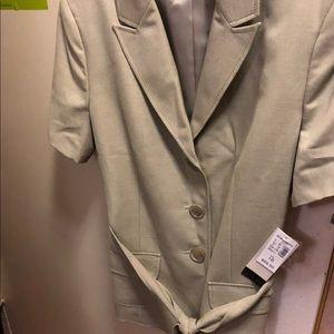 Woman short sleeve blazer